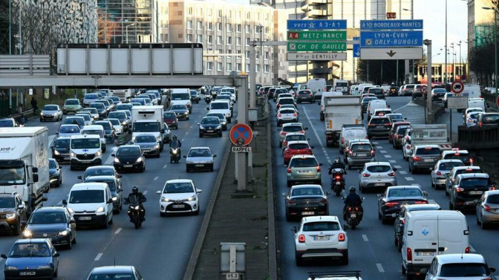 véhicules polluants sur le périphérique parisien